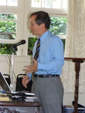 Dr Alan Gin