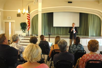 Bob Brewer address the Point Loma Democratic Club - May 18, 2014