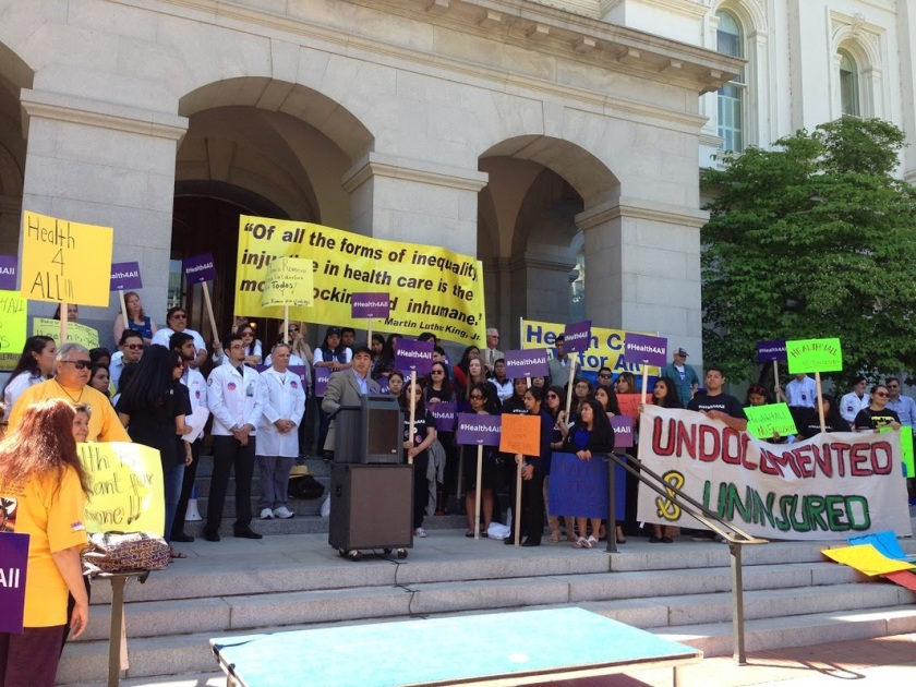 On April 13th, 2015, CaHPSA at UCSD members joined other health equity supporters in the AllCare Alliance and Health4All Coalition in Sacramento to lobby California legislatures to support Senator Ricardo Lara's SB-4 Bill.